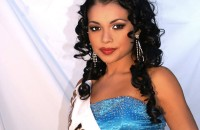 Iris Siguenza, Miss Small World in carica.